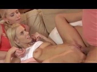 Mommy and Daughter Seduction in Threesome