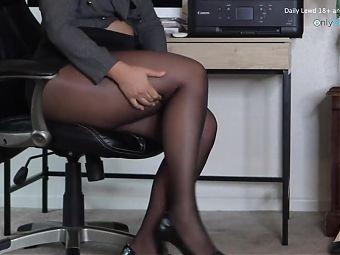 SEXY SECRETARY,
